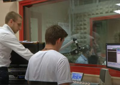 RADIO INFINITY TENERIFE 103.3 CANARIAS 3